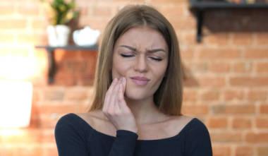 Wie beugt man Schmerzen mit schmerzlosen Dentalhygiene Behandlungen vor?